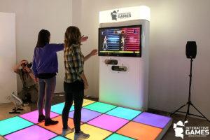 Интерактивные танцы